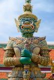 Gigante no templo de Emerald Buddha ou do WAT PHRA KAEW de Imagens de Stock Royalty Free