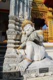 Gigante tailandês na porta do templo Imagem de Stock Royalty Free
