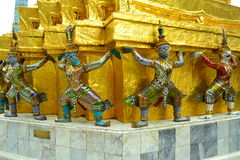 Gigante a Wat Phra Kaew Bangkok, Tailandia Immagini Stock
