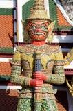 Gigante Wat Pra Kaeo Temple, Tailandia Immagine Stock