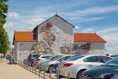 Gigantische Kunst durch Alexandre Farto alias Vhils und Pixelpancho Lizenzfreie Stockfotografie