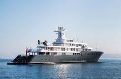 Gigantisk stor lyxig mega eller toppen motorisk yacht Investering för mi Arkivbilder