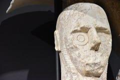 Giganty Mont ` e Prama są antycznymi kamiennymi rzeźbami tworzącymi Nuragic cywilizacją Sardinia, Włochy Fotografia Stock