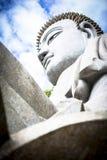 Gigantyczna biała Buddha statua przy podbródka Swee świątynią blisko Genting średniogórzy Malezja zdjęcie stock
