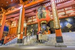 Gigantyczna Czerwona lampa Sensoji świątynia w Tokio, Japonia Obraz Royalty Free