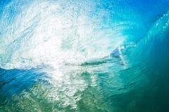 Gigantyczna ocean fala tubka Zdjęcia Royalty Free