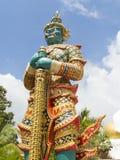 Gigantyczna strzeżenie statua Obrazy Stock