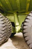 Gigantyczna tytanu kopalnictwa łupu ciężarówka męczy i zawieszenie Fotografia Stock