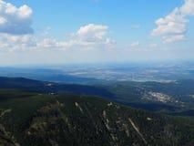 Gigantyczne góry, widok od wierzchołka zdjęcia royalty free