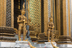 Gigantyczne opiekun statuy przy Uroczystym pałac, Bangkok Obrazy Royalty Free
