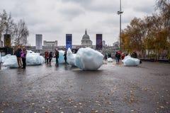 Gigantyczni Lodowi bloki w Londyn zdjęcie stock