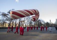 Gigantyczny cukierek trzciny balon w 2013 Macy paradzie Zdjęcie Royalty Free