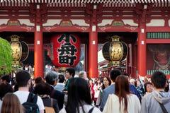 Gigantyczny czerwony lampion w Senso-ji świątyni Obraz Royalty Free