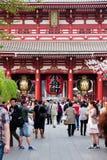 Gigantyczny czerwony lampion w Senso-ji świątyni Zdjęcie Royalty Free