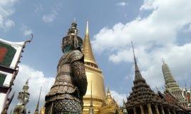 Gigantyczny demon chroni wejście Wat Phra Kaew Obrazy Stock