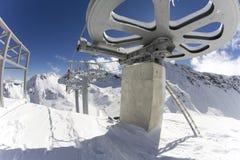 Gigantyczny koło z wierzchu narciarskiego dźwignięcia Obrazy Royalty Free