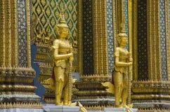 Gigantyczny opiekun przy Szmaragdową Buddha świątynią Fotografia Stock