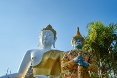 Gigantyczny opiekun Wat Prathat Doi Kam Zdjęcie Stock