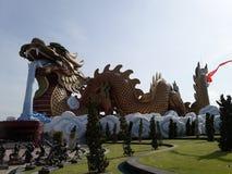 Gigantyczny smok w Suphanburi, Tajlandia zdjęcie royalty free