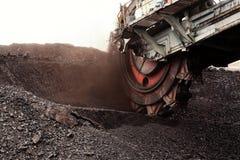 Gigantyczny wiadra koła ekskawator dla kopać brown węgiel, republika czech Fotografia Stock