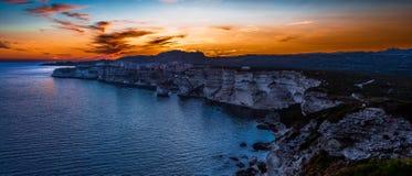 Gigapano Bonifacio an der blauen Stunde des Sommers stockfotografie