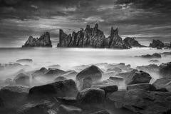 Gigi Hiu海滩美丽的景色,异乎寻常鲨鱼牙沿岸航行, Tanggamus -楠榜省,印度尼西亚 免版税库存图片