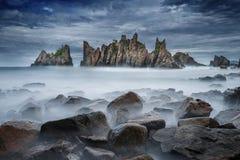 Gigi Hiu海滩美丽的景色,异乎寻常鲨鱼牙沿岸航行, Tanggamus -楠榜省,印度尼西亚 库存图片