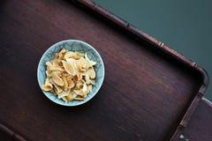 Giglio secco in ciotola Fotografie Stock