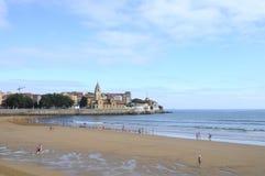 Gijon strand i Spanien Arkivbilder