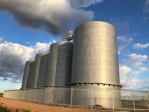 Σιλό σιταριού στο αγρόκτημα στο Gilbert Αριζόνα στοκ φωτογραφίες με δικαίωμα ελεύθερης χρήσης
