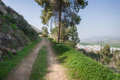 Gilboa slinga bredvid kibbutzer Hephzibah Arkivfoton