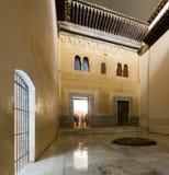 Gilded室Cuarto dorado庭院在阿尔罕布拉宫 免版税库存照片