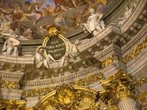 Gilded a décoré l'intérieur d'église à Rome Italie Image libre de droits