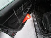 Gilet de sécurité dans la poche de la portière de voiture Janvier 2016, les Etats-Unis Ð « Images libres de droits