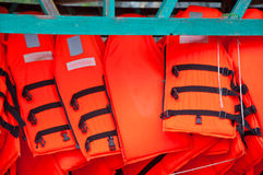 Gilets de sauvetage oranges Photographie stock libre de droits