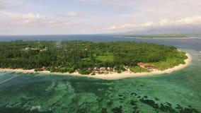 Gili Meno海岛鸟瞰图从寄生虫,印度尼西亚的 股票录像