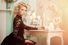 Gillar den rika lyxiga kvinnan för skönhet Marilyn Monroe Härlig fashiona Fotografering för Bildbyråer