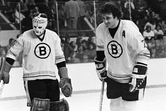 Gilles Gilbert en Phil Esposito, Boston Bruins Stock Fotografie