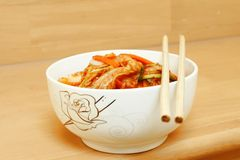 Gimchi που γίνεται κορεατικό από το λαχανικό μιγμάτων Στοκ Φωτογραφίες