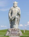 GIMLI,马尼托巴,加拿大- 2015年6月20日:冰岛北欧海盗雕象 免版税库存图片