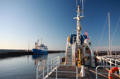 小船商业捕鱼业gimli海滨广场 免版税库存照片
