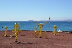 Gimnasia en la playa Foto de archivo