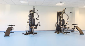 Gimnasia y máquina del músculo Imágenes de archivo libres de regalías
