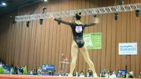 gimnasta de Japón, competencia de la gimnasia del deporte, Stell almacen de metraje de vídeo