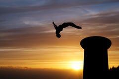 Gimnasta de la puesta del sol Fotografía de archivo
