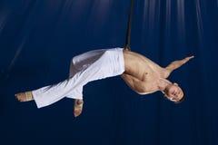 Gimnasta del aire del circo Imagen de archivo libre de regalías