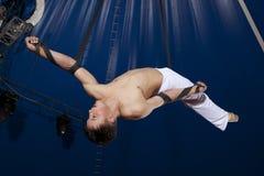 Gimnasta del aire del circo Foto de archivo libre de regalías