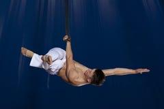 Gimnasta del aire del circo Fotografía de archivo libre de regalías