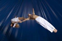 Gimnasta del aire del circo de los pares Foto de archivo