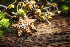 Ginderbread торта рождества Рождество играет главные роли торты и украшение Стоковая Фотография RF